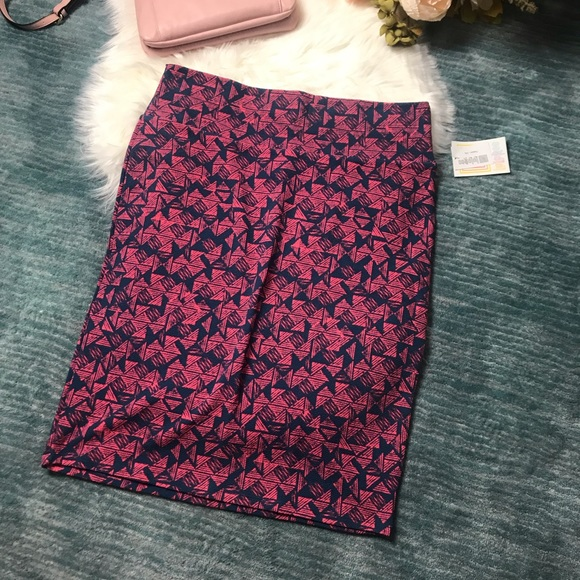 LuLaRoe Dresses & Skirts - NWT Cassie Pink & Blue Triangle Pattern Skirt